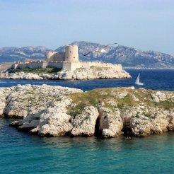 LuxeGetaways - Luxury Travel - Luxury Travel Magazine - Luxe Getaways - Luxury Lifestyle - Marseille - Romantic Getaway - Marseille Tourism