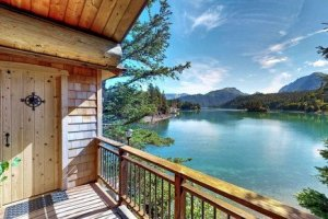 LuxeGetaways - Luxury Travel - Luxury Travel Magazine - Luxe Getaways - Luxury Lifestyle - Wellness Travel - Spa Travel - Luxury Travel - Stillpoint Lodge Alaska - Linda Cooper - Alaska Adventure