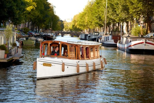 LuxeGetaways - Luxury Travel - Luxury Travel Magazine - Luxe Getaways - Luxury Lifestyle - Pulitzer Amsterdam - Putnam & Putnam - Tulip Season