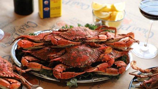 Luxegiving LLC Crab Event