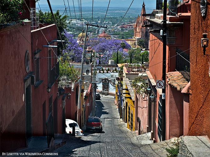 cobblestoned roads in San Miguel de Allende