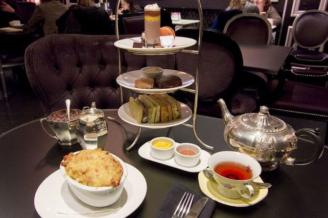 Five Experiences When Visiting London for the First Time Afternoon Tea