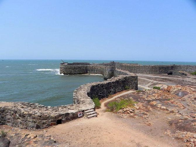 Top 10 Beach Destinations in India Tarkarli Maharashtra