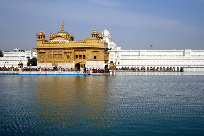 Top 10 Magnificent Temples in Asia Harmandir Sahib Golden Temple Amritsar India