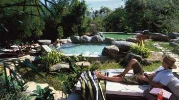 Four Seasons Golden Triangle Pool - Courtesy of Four Seasons