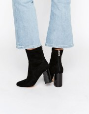 rosie-huntington-whitely-look-for-less-asos-boots-the-luxe-lookbook1
