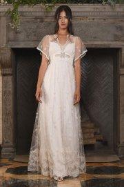 claire-pettibone-wedding-dress-courtesy-of-claire-pettibone-the-luxe-lookbook4