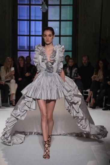 giambattista-valli-spring17-couture-yannis-vlamos-indigital-the-luxe-lookbook16