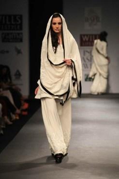Vineet Bahl Autumn Winter 2013 Collection