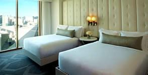 The queen suite's bedroom