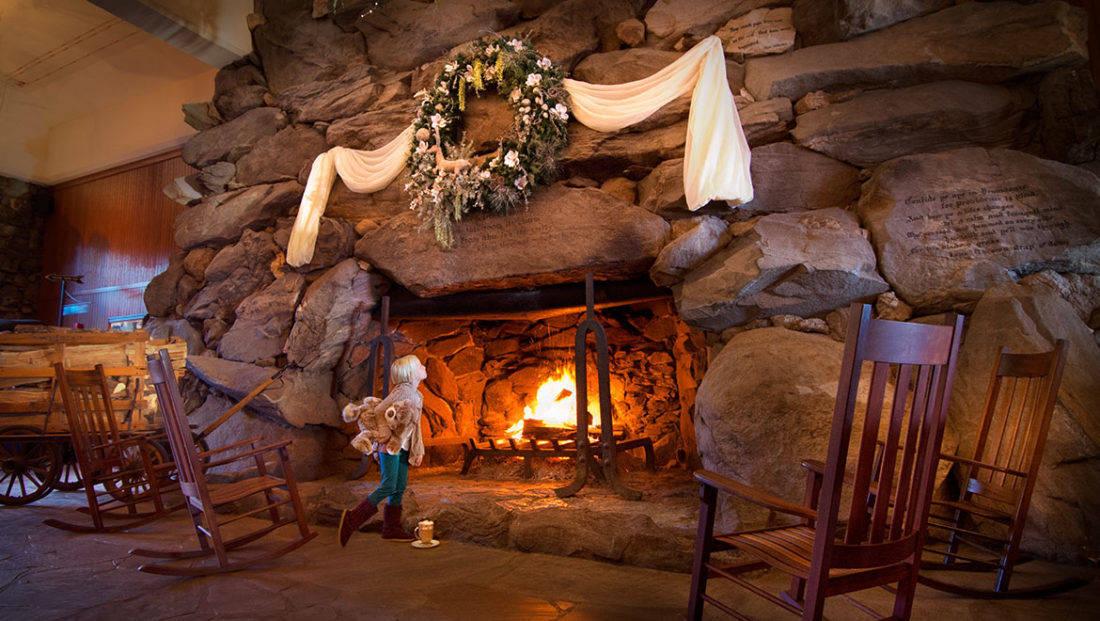 Gpirst Omni Grove Park Inn Christmas Fireplace Girl Luxe