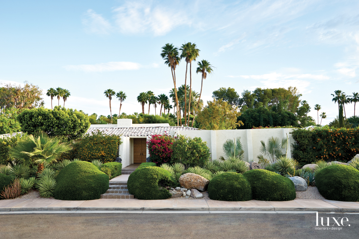 A Palm Springs House Retains Its Midcentury Spirit Luxe