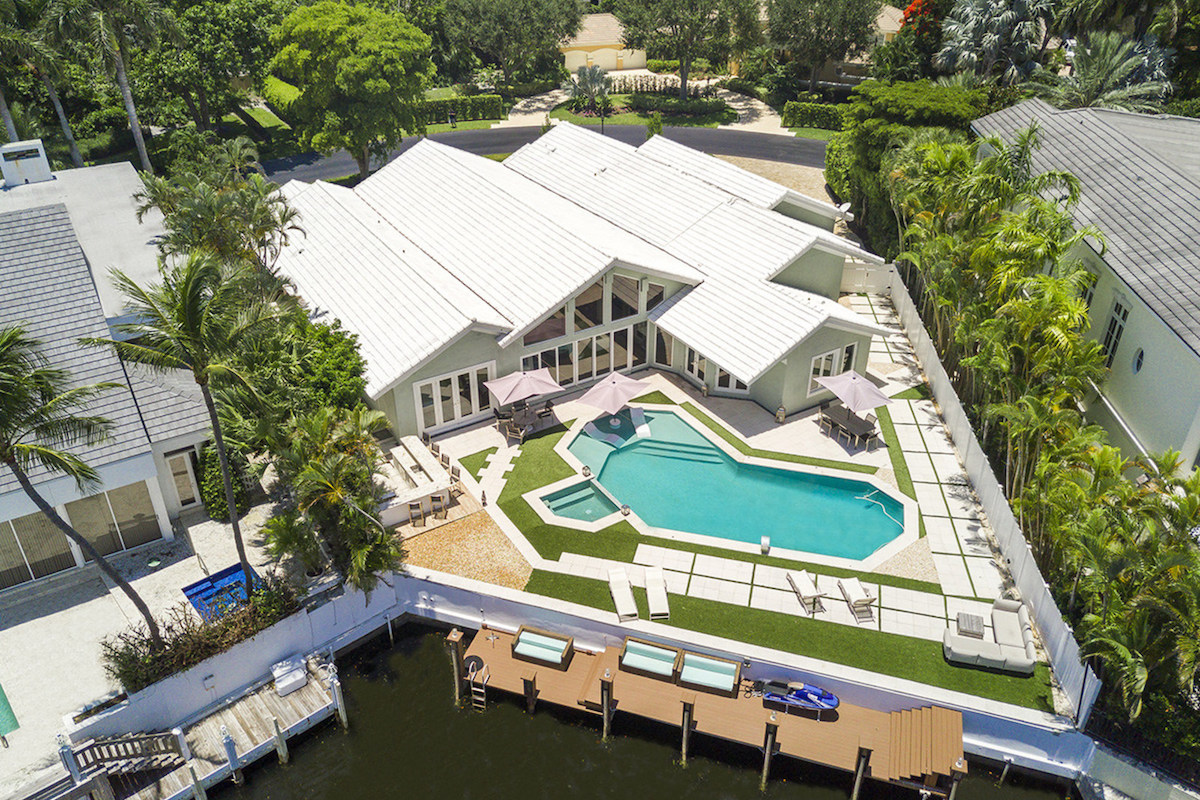 A Contemporary Waterfront Estate In The Sanctuary Of Boca