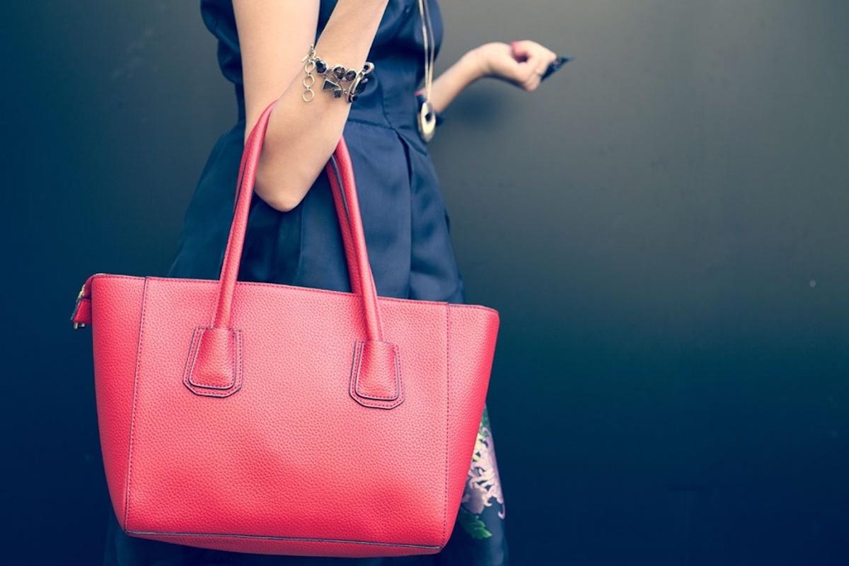 The Benefits of a Having a Huge Handbag