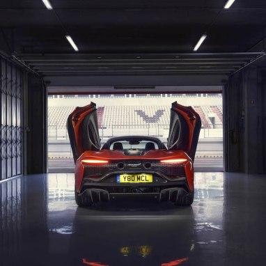 LuxExpose McLaren_Artura_Supercar 21