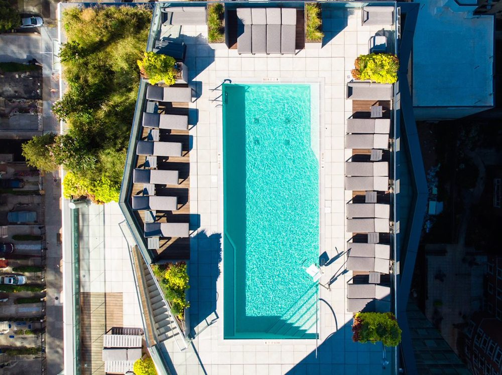 Outdoor Community Space Reigns Supreme in Luxury Residences