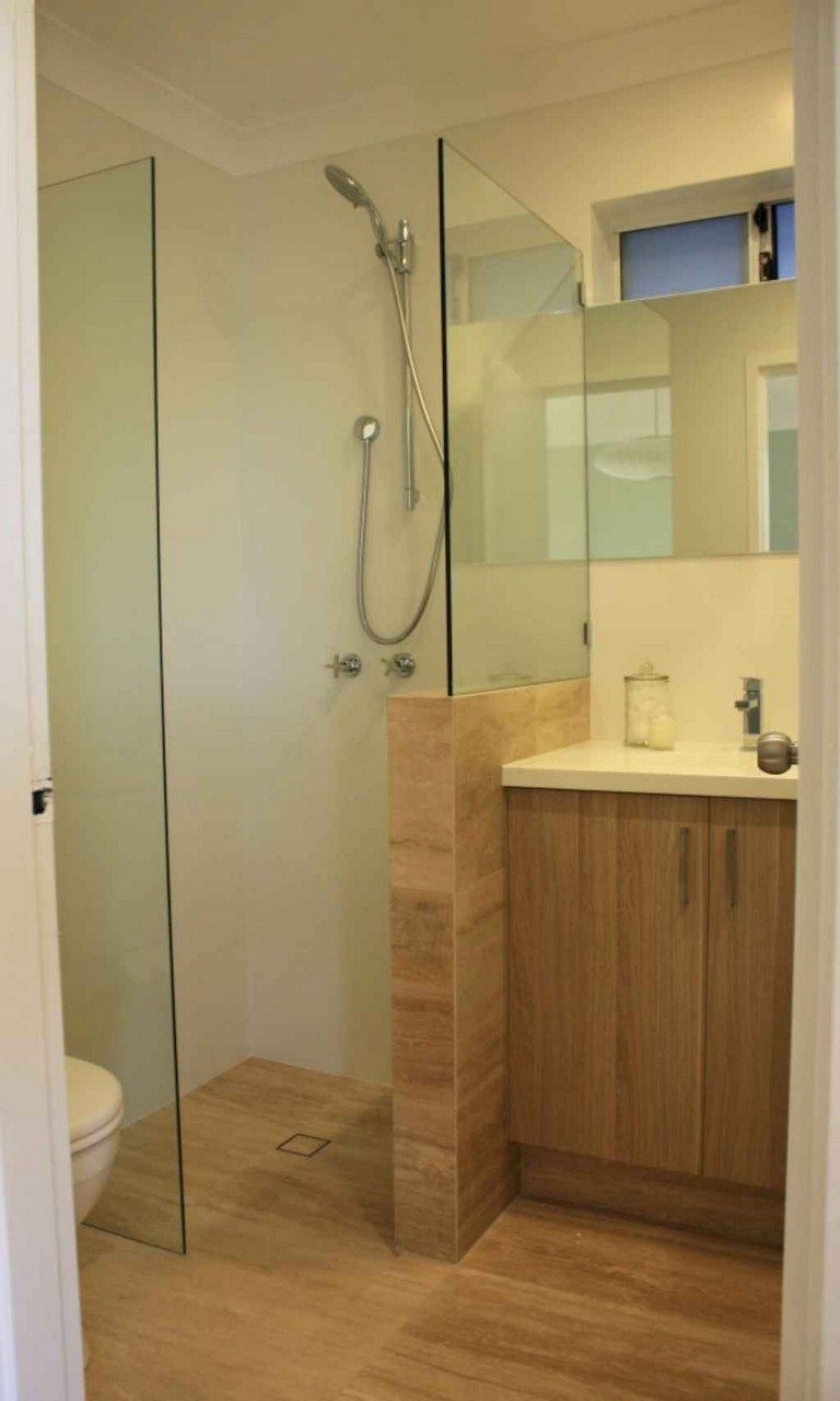 50+ Incredible Small Bathroom Remodel Ideas on Small Bathroom Remodel Ideas 2019  id=16070