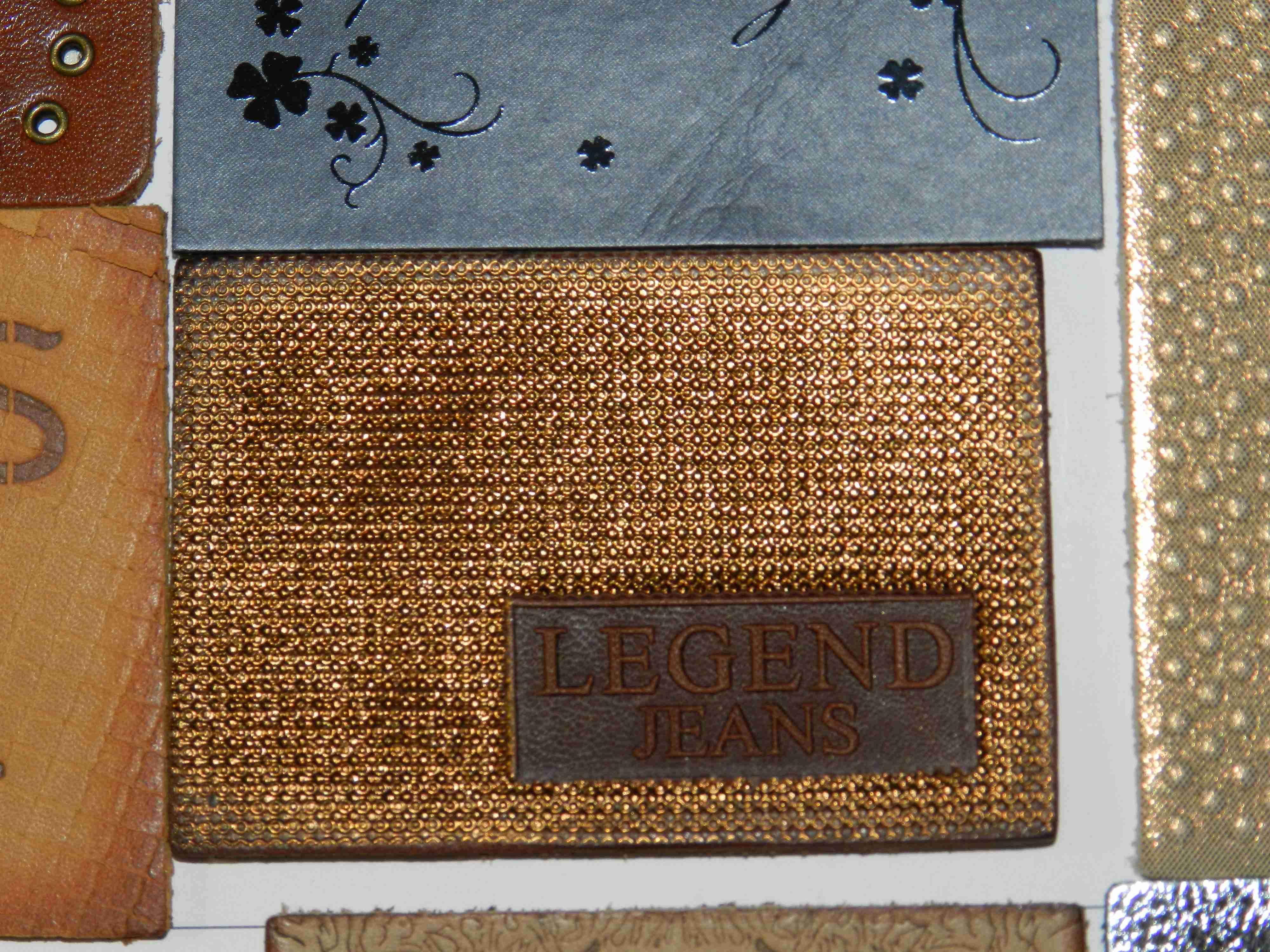 Кожаные бирки: заказать изготовление кожаных этикеток в компании «LuxLabel»