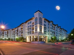 The Monterey by Windsor Apartments in Uptown Dallas TX Lux Locators Dallas Apartment Locators