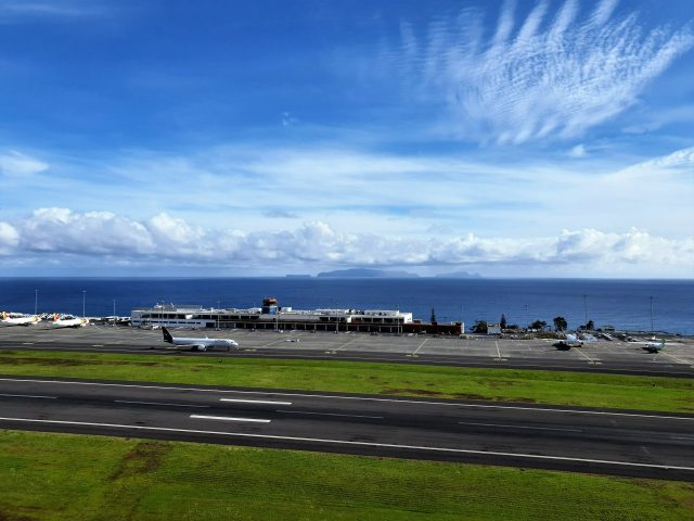 Madeira Airport, Madeira airport pictures