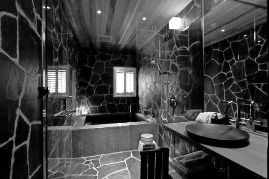 Kimamaya Hotel Luxury Bathroom