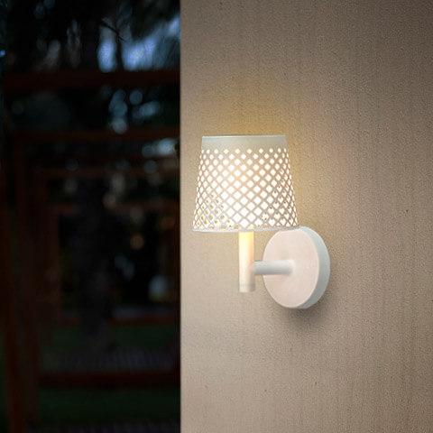 greta outdoor light 10