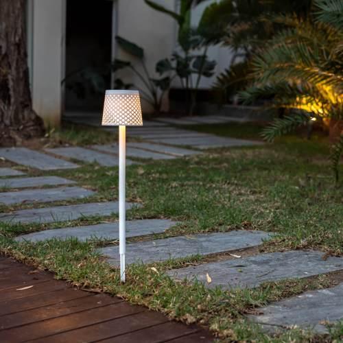 greta outdoor light 2