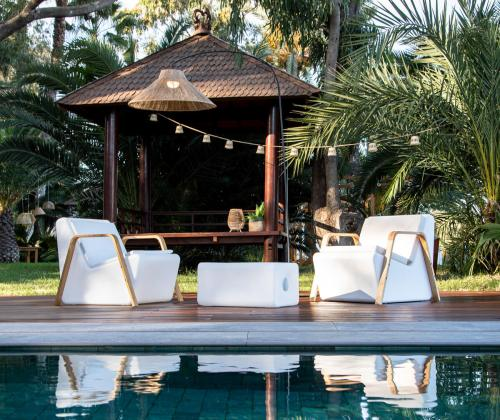 tarrida sit outdoor chairs 1