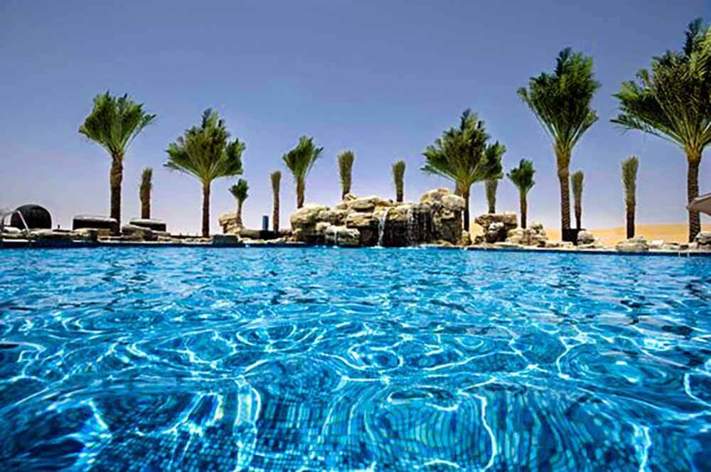 Oasis Pool - Luxuria Tours & Events
