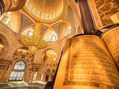 Shiek Zayed Mosque, Main Room, AD, UAE - Luxuria Tours & Events