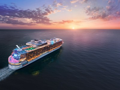 Cruise Ship - Luxuria Tours & Events
