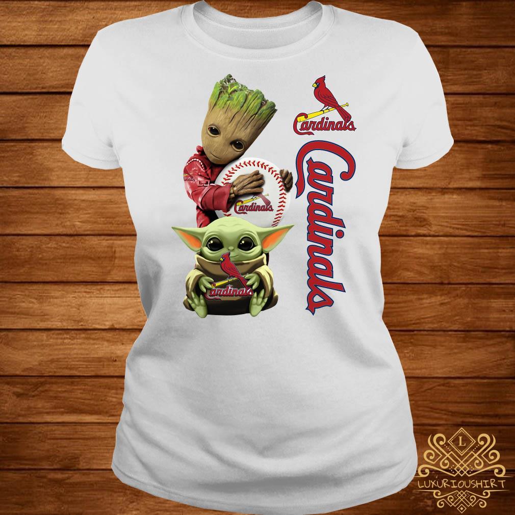 Baby Groot And Baby Yoda Hug St. Louis Cardinals ladies Tee