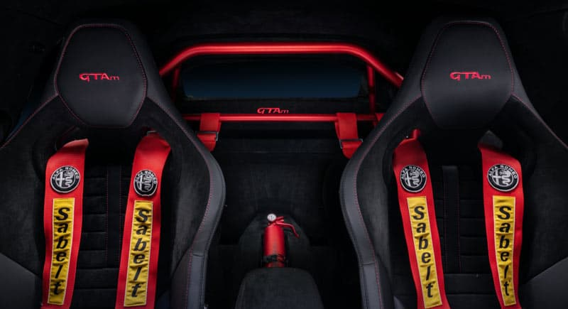 Alfa-Romeo-GTAm-inside