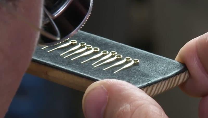 Fiedler-SA-watch-hands-controls