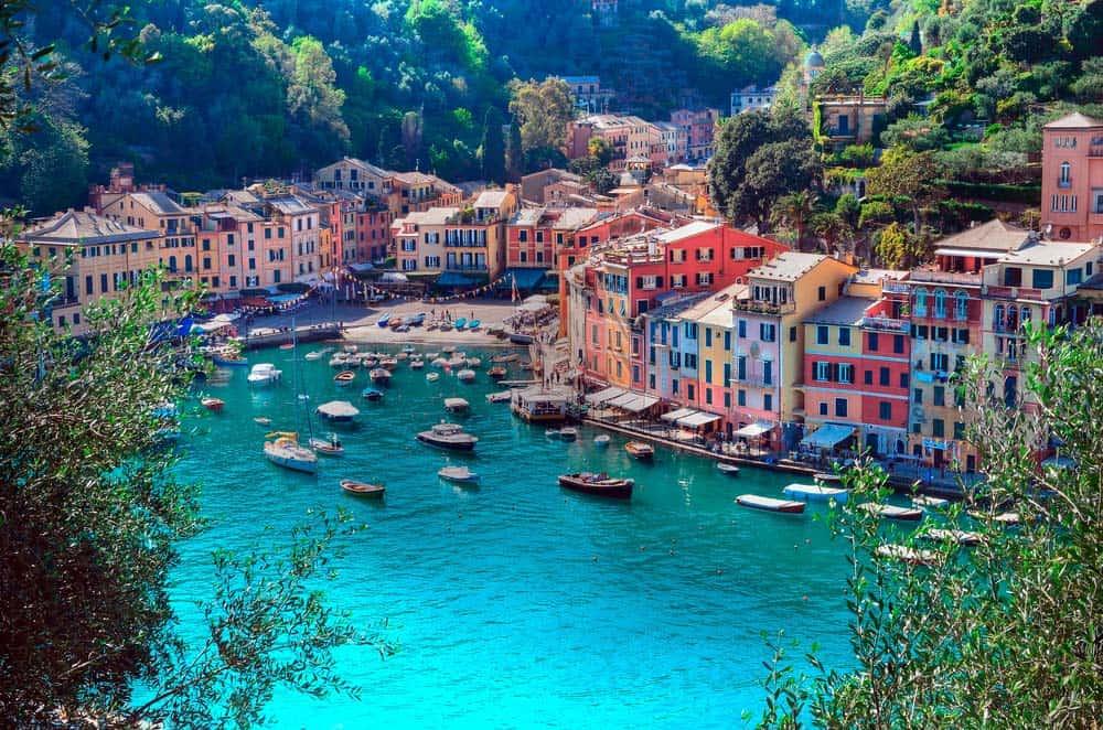 Italy-luxury-yacht-charter-Vesuvio--header-photo
