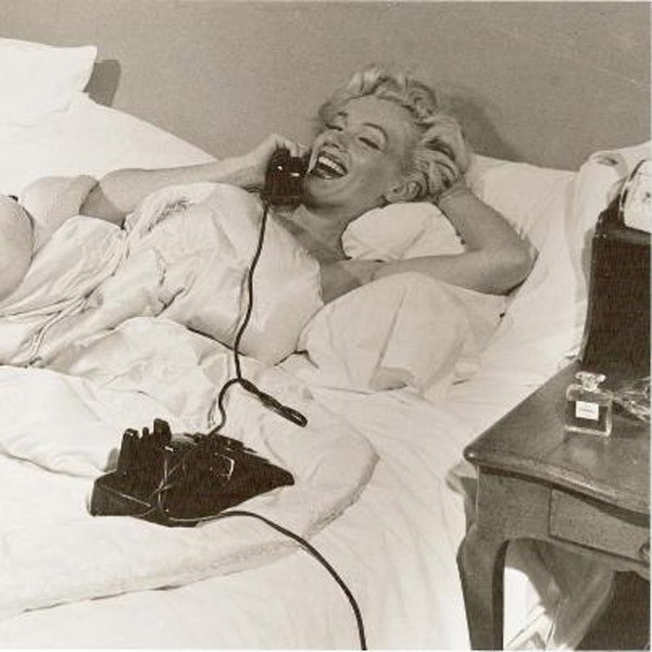 Marilyn-monroe-modern-screen-1953-chanel