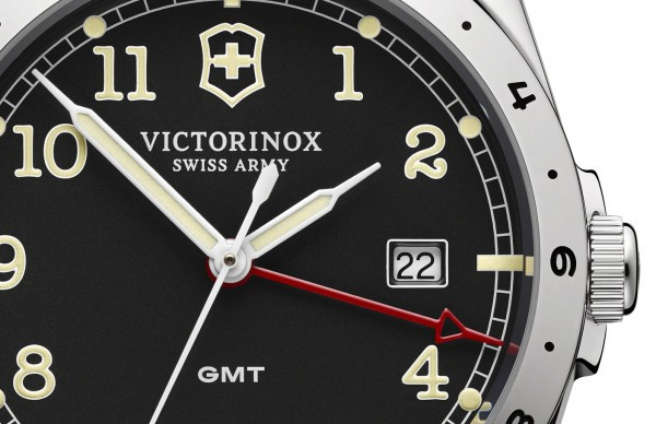 Victorinox-Infantry-GMT-detail