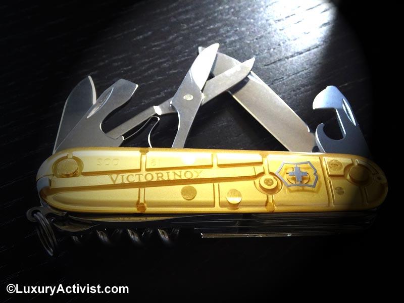 Victorinox-2016-limited-edition-climber-gold