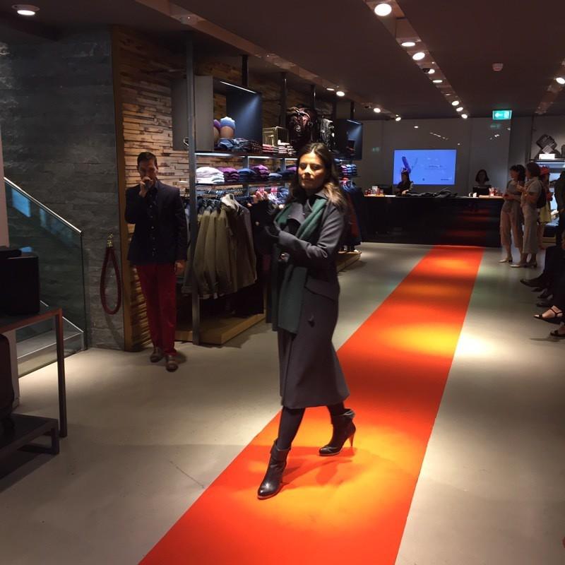 Victorinox-fashion-show-geneva-store