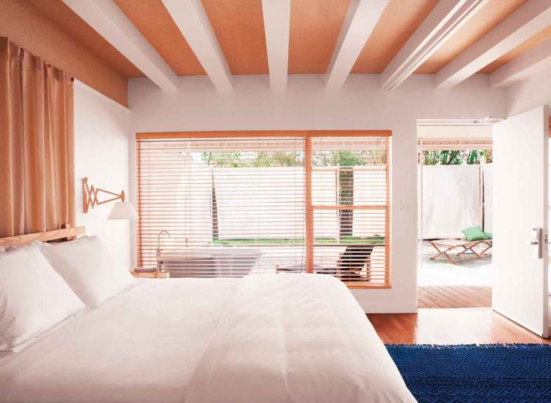 Nordisk stil og design præger The Standard i Miami Beach. Indretningen af værelserne er inspireret af sommerhytter i den svenske skærgård, og flere har privat terrasse med udendørsbad.