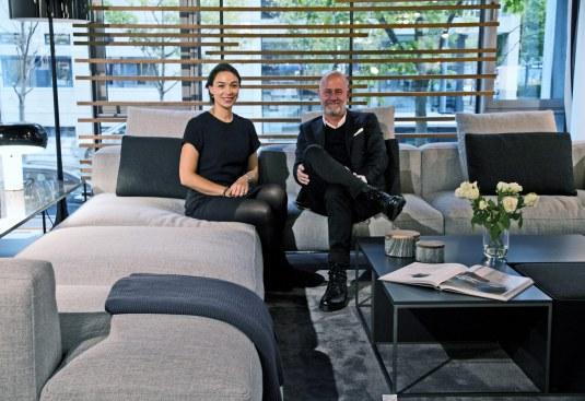 Cecilia Tung og Peer Ericson i det indbydende showroom på Strandvejen i Hellerup.