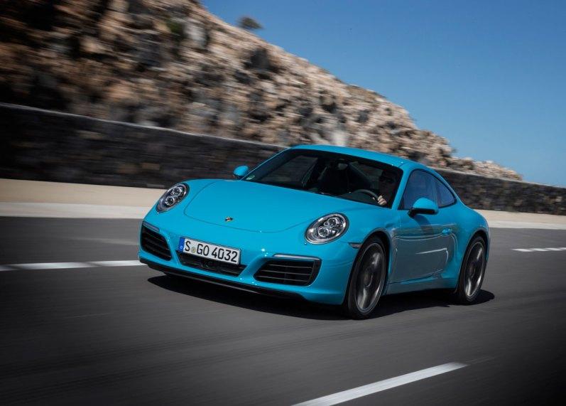 Porsche er verdensmester i minimalt synlige ændringer, men hvorfor også pille ved det design, som har fået millioner af fans over hele verden til at tilbede 911.