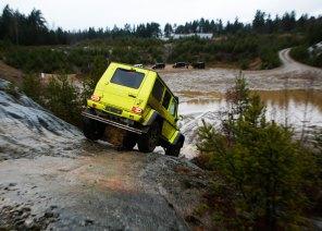 Med to ekstra spærredifferentialer kan bilen klatre som en anden bjergbestiger.