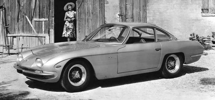 Det var denne 350 GT, som Ferruccio Lamborghini præsenterede som sin første bil i 1964. Motoren var en 3,5-liters V12 udviklet af den tidligere Ferrari-ingeniør Giotto Bizzarrini. Bilen vakte opsigt, for dels var den elegant og særdeles kraftfuld, dels fik den datidens Ferrari-modeller til at se en smule gammeldags ud.
