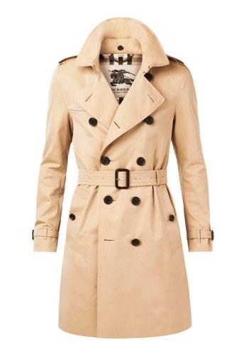 Ønsker du dig den klassiske trenchcoat, som aldrig går af mode? Så er det dén her, du skal have. Britisk stil, elegante snit og skabt af de bedste materialer. Burberry Trench Coat, The Sandringham, 14.500 kr.