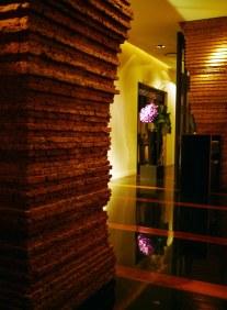 Opbygningen af Nahm minder om søjlerne i gamle thailandske templer.