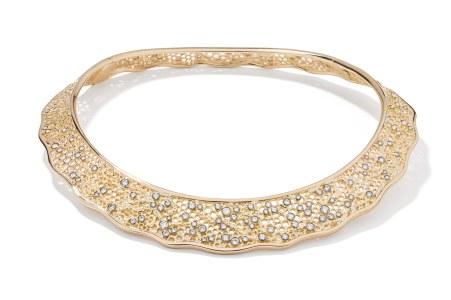 Aurelie Biedermanns 'Dentelle'-unikahalsring af 18 karat guld med 120 diamanter (i alt 5.85 carat), 552.750 kr. Kreationen er også blevet fremstillet i 18 karat hvidguld.