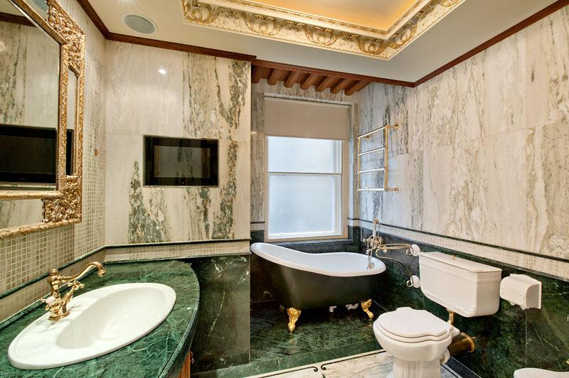 Be Inspired By Green Marble Bathroom Ideas To Upgrade Your Home Decor #luxurybathroomsbrands #luxurybathroomsdesigns #luxurybathroomsimages #greenmarblebathrooms http://luxurybathrooms.eu/5-exquisite-bathtubs-to-enhance-unique-luxury-bathrooms/ @mvalentinabath green marble bathroom ideas Be Inspired By Green Marble Bathroom Ideas To Upgrade Your Home Decor Be Inspired By Green Marble Bathrooms To Upgrade Your Home Decor 1