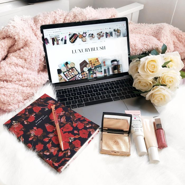 April Favourite 2020 | Macbook flatlay