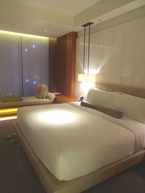 angela-carson-asia-luxury-travel-blog-w-hotel-taipei-room-review-5